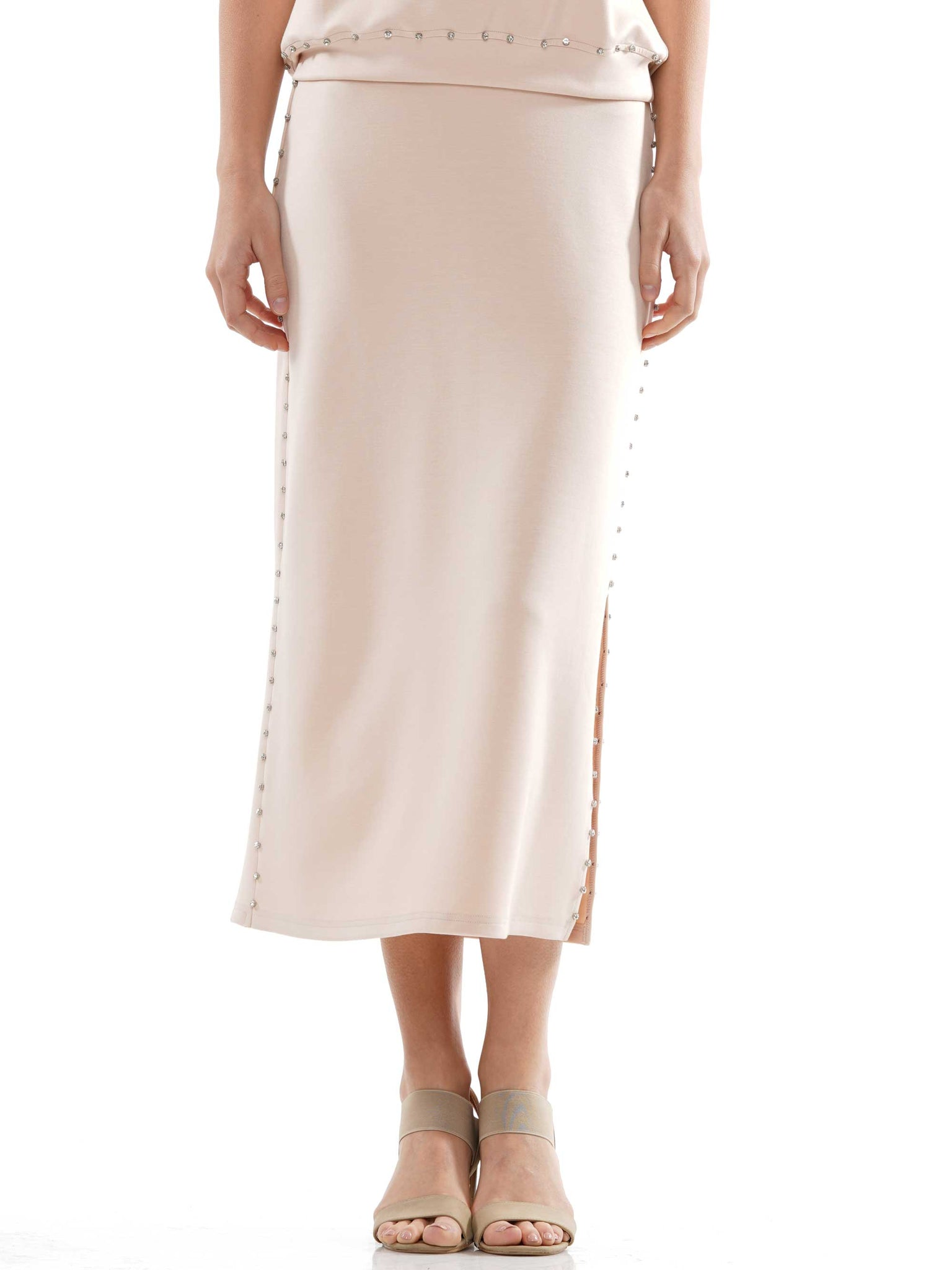 Light lyocell side slit skirt with gemstone