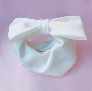 The Jersey Bow Bag in white