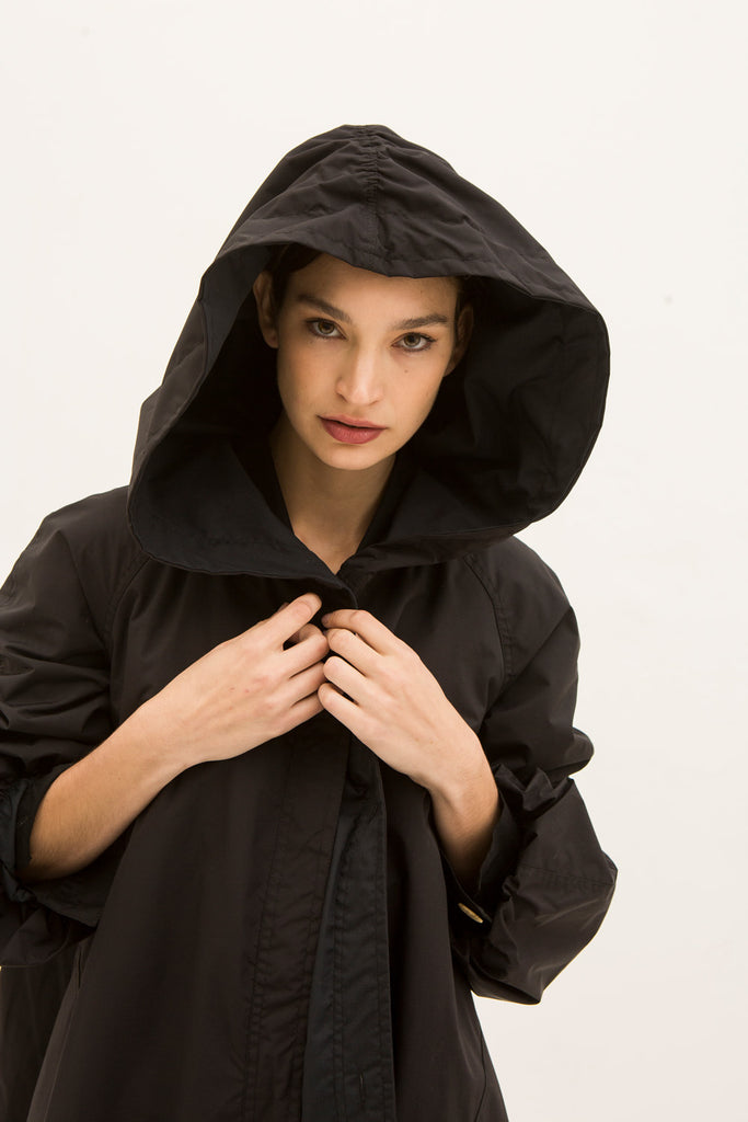Impermeable Monje Negro