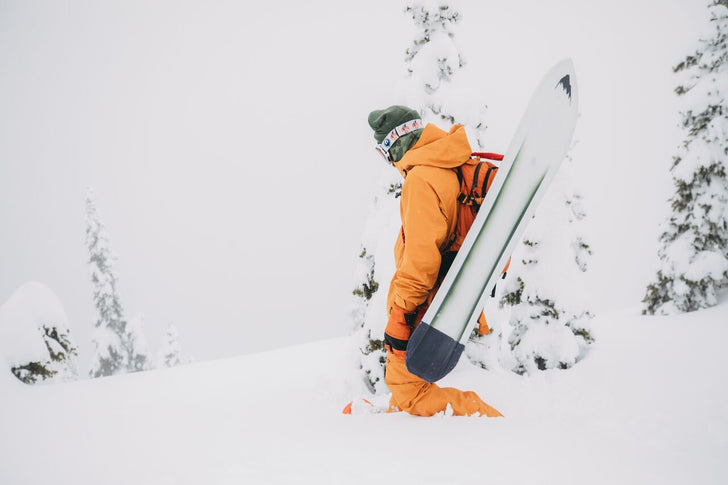 Burton team rider with his Burton resonator powdersurfer
