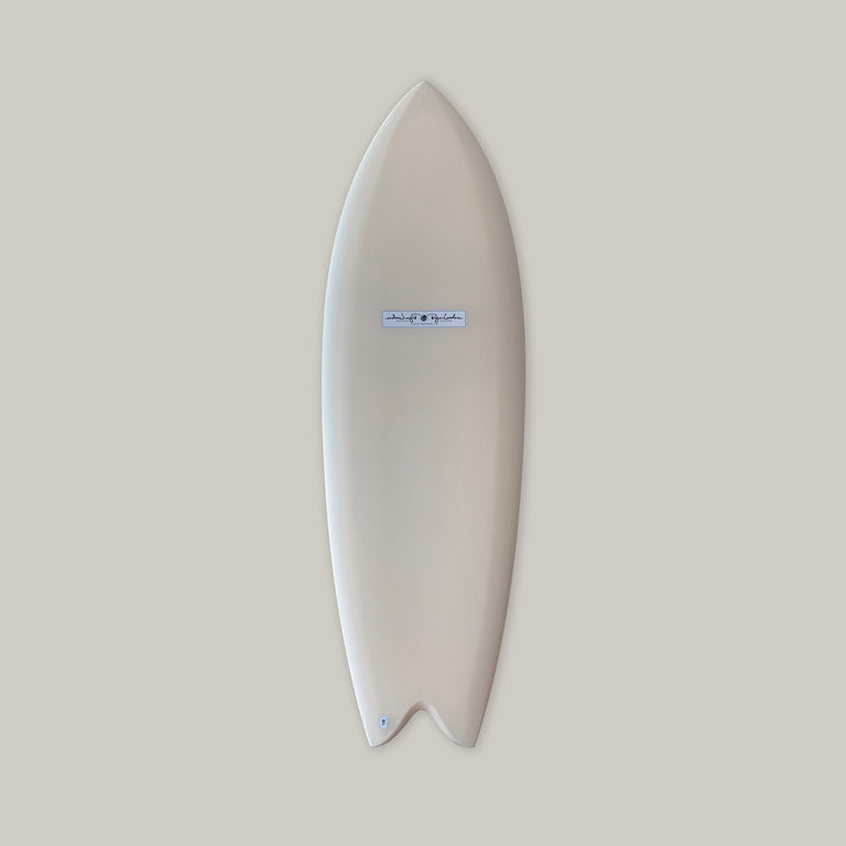 Lovelace surfcraft fish surfboard. Lovelace surf, California surfcraft. Hand shaped surfboard by Ryan Lovelace. Twin fin surfboard, fish surfboard, performance surfboard. In stock Ryan lovelace surfboard. Built with Varial foam infused glass and varial foam stringerless surfboard blank.