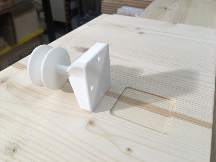 Detail #5: Pre-milled recesses guarantee easy and correct installation! Here suspension gate (3D print)