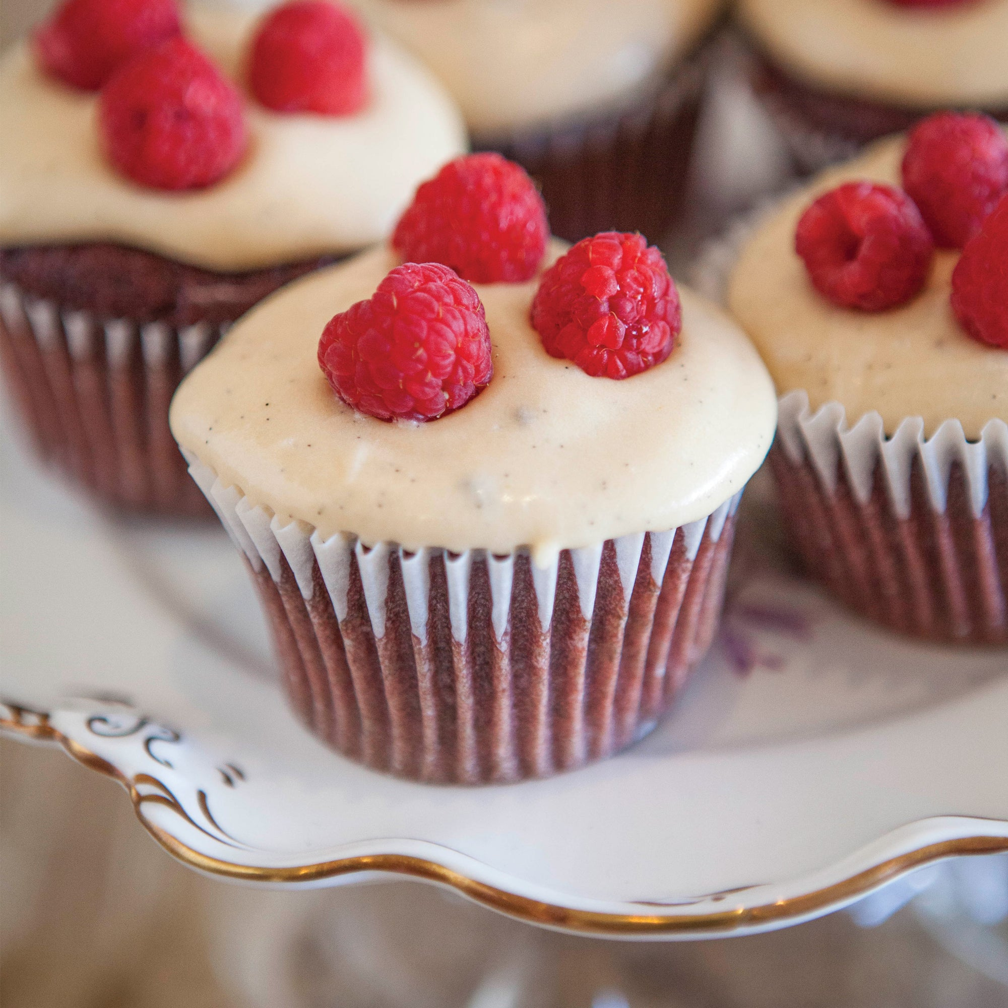 Red velvet cup cakes with rooibos cream cheese icing