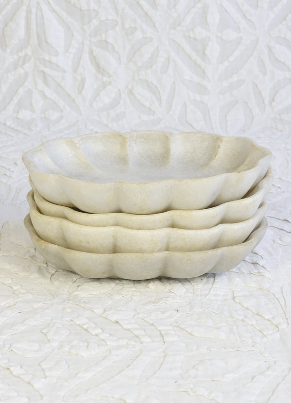 Scalloped Marble Soap Dish