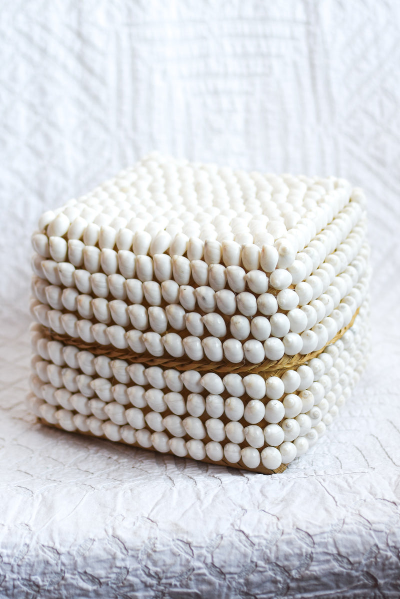 White Shell Offering Box