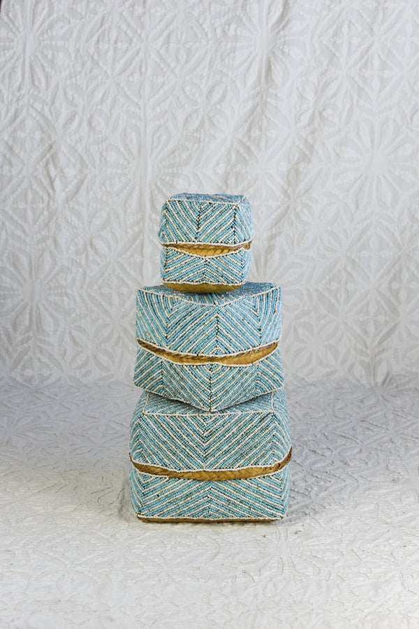 Hand beaded Balinese box - Turquoise