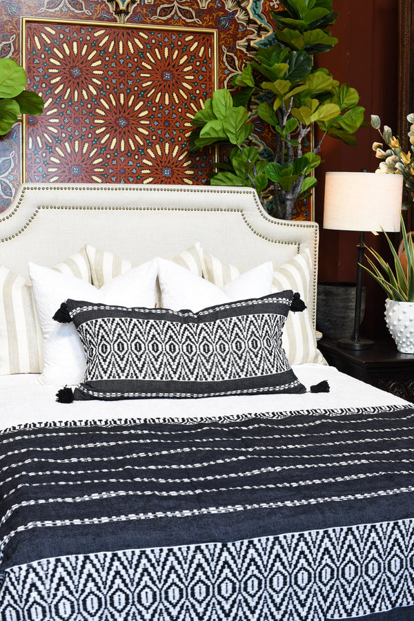 Black and White Jacquard Loom Pattern Pompom Blanket