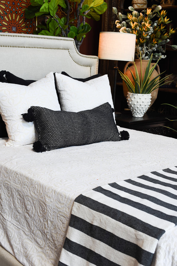 Pom Pom Blanket - Black & White Striped