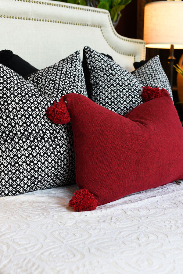 Pompom Pillow - Lumbar