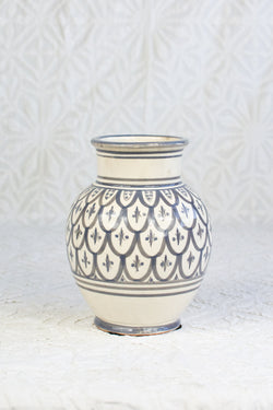 Safi Vase - Gray on White