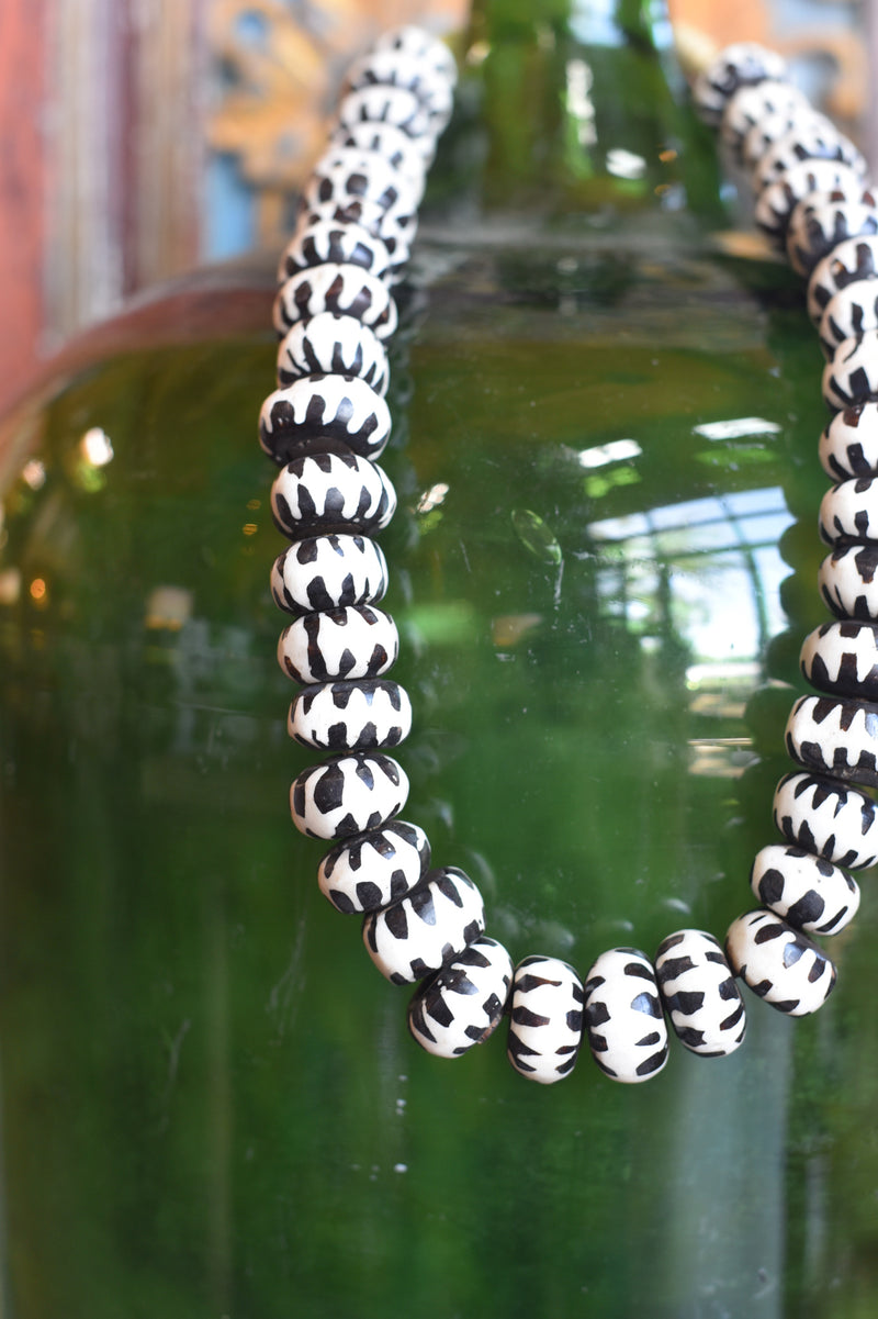 Black and White Mali Beads Zig Zag
