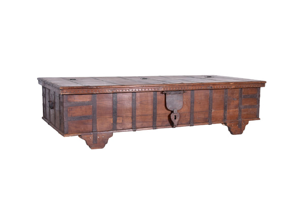 Vintage Coffee Table Trunk