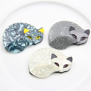 Lazy Cat Brooch - FURlosophie