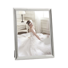 Load image into Gallery viewer, Whitehill Beaded Photo Frame