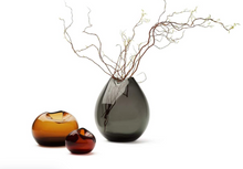Load image into Gallery viewer, Rock vase aubergine