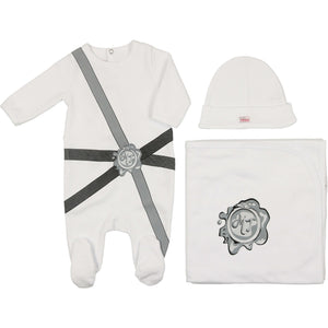 Sealed with a Kiss Layette Set