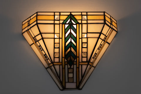 Art Deco wall light in the dining room