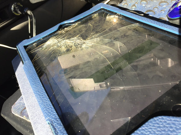 Broken iPad screen repair - celltechLabs