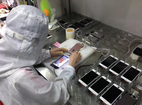iPhone screen repair - quality inspection - colour test - celltech Labs