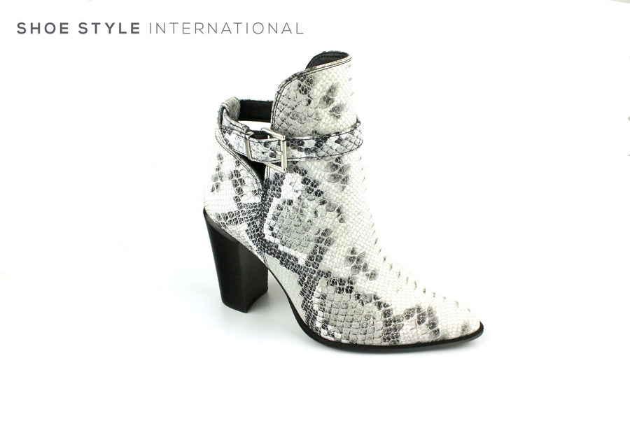 Bronx 34110 Snake Skin Leather Design in Western Boot Design, Block High Heel Ireland Shoe Shops online, Shoe Style International, Location Wexford Gorey, Ireland