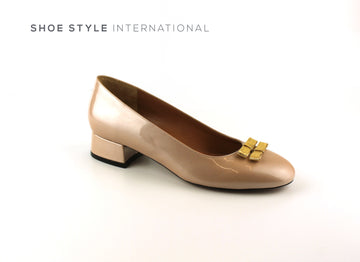 Oxitaly Shoes, Light Pink Court Shoes with a low heel and Gold Bow Details Shoe_Style_International-Wexford-Gorey-Ireland