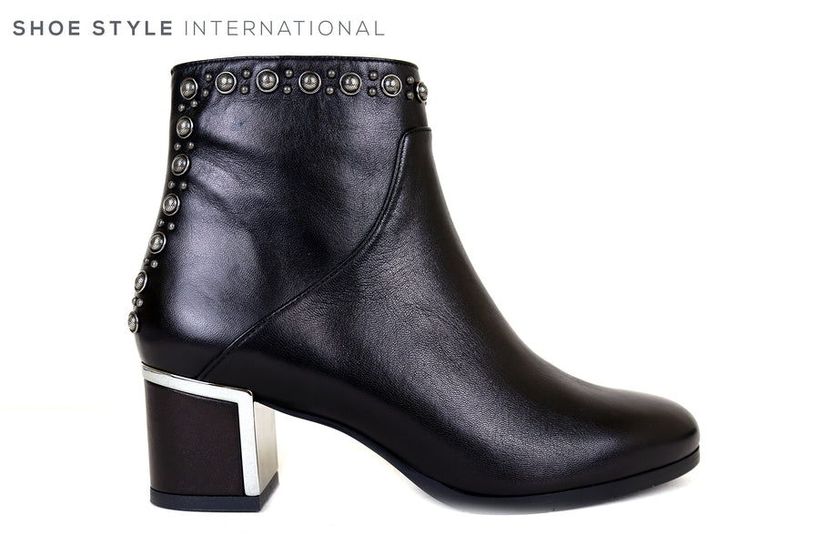 Evaluna Black Leather Ankle Boot with side zip closure, Silver Stud detail at the top and the back of the ankle boot, low heel, Ireland Shoe Shops online, Shoe Style International, Location Wexford Gorey, Ireland