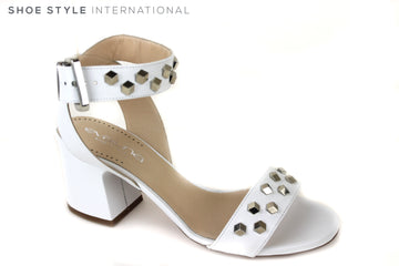 Evaluna 428, Open toe Sandal with an ankle strap closing. Colour is tan White with Silver Studded detail across one strap at the front and the across the ankle strap. Shoe Style International