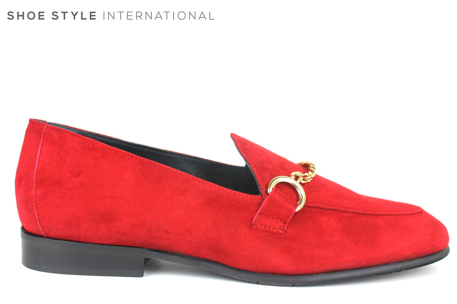 Evaluna 060, Flat Loafer with Gold Chain across the front. Colour Red, Shoe Style International, Wexford, Gorey, Ireland