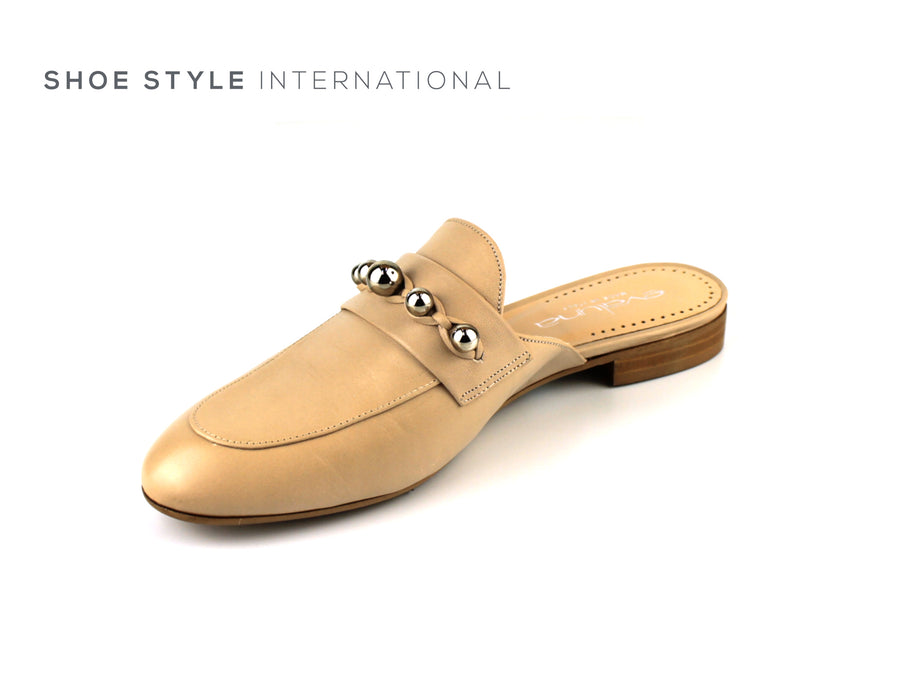 Evaluna Shoe, Low Block Heel in Nude Leather with Silver Studs. Shoe_Style_International-Wexford-Gorey-Ireland