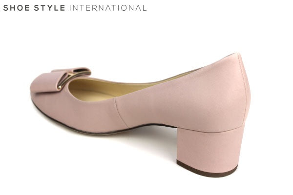 Hogl 10 4085 classic block low heel with bow detail at the front of the shoe. Available Colour Blush, Shoe Style International Wexford Gorey Ireland