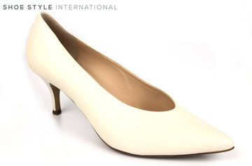 Hogl 6120, Medium Heel Slip On Shoe with a pointed toe in Ivory, Ireland Shoe Shops online, Shoe Style International, Location Wexford Gorey, Ireland