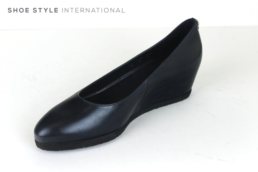 Hogl 4200 A Low Wedge with a Closed toe and pointed toe in Navy, Ireland Shoe Shops online, Shoe Style International, Location Wexford Gorey, Ireland