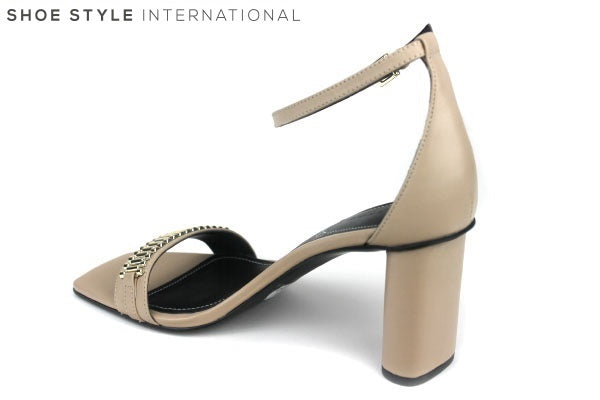 Kendall + Kylie, Lake Sandals, Open toe sandals with strap across the front with chain detail in colour silver. The block colour of the shoe is nude. Closing on the shoe is an ankle strap buckle. Shoe Style International Wexford Gorey Ireland