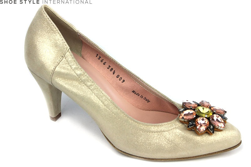 Le Babe 1366, high heel court shoe with broche detial at the front of the shoe. Occasion wear shoes. Colour Gold. Shoe Style International