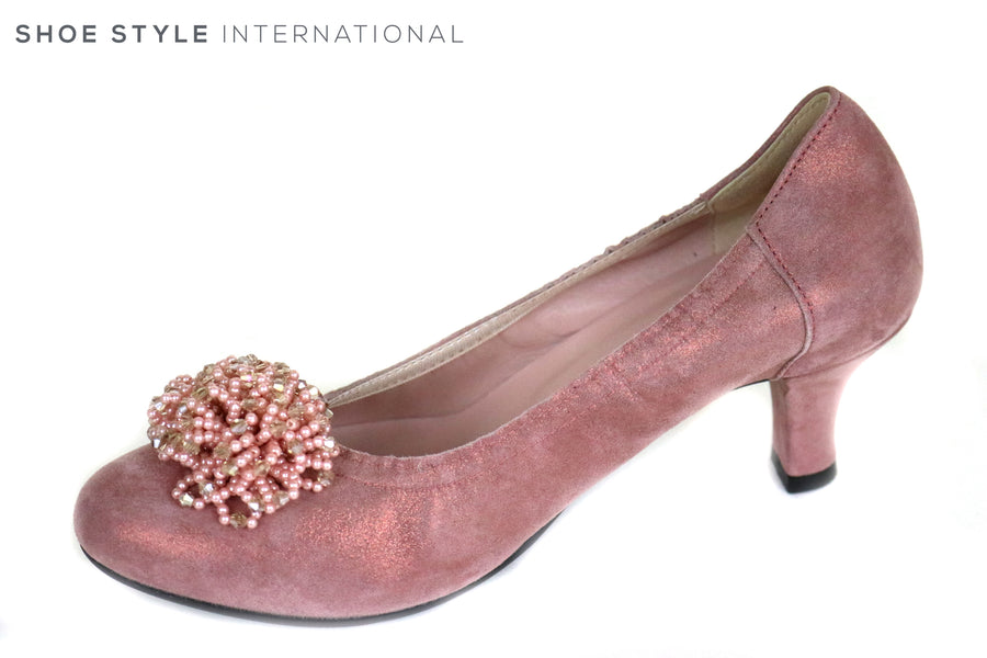 Le Babe 3002 is a Low Heel Court Shoe, Colour is Pink with a Pink Tassle at the front of the foot, Ireland Shoe Shops online, Shoe Style International, Location Wexford Gorey and Ireland