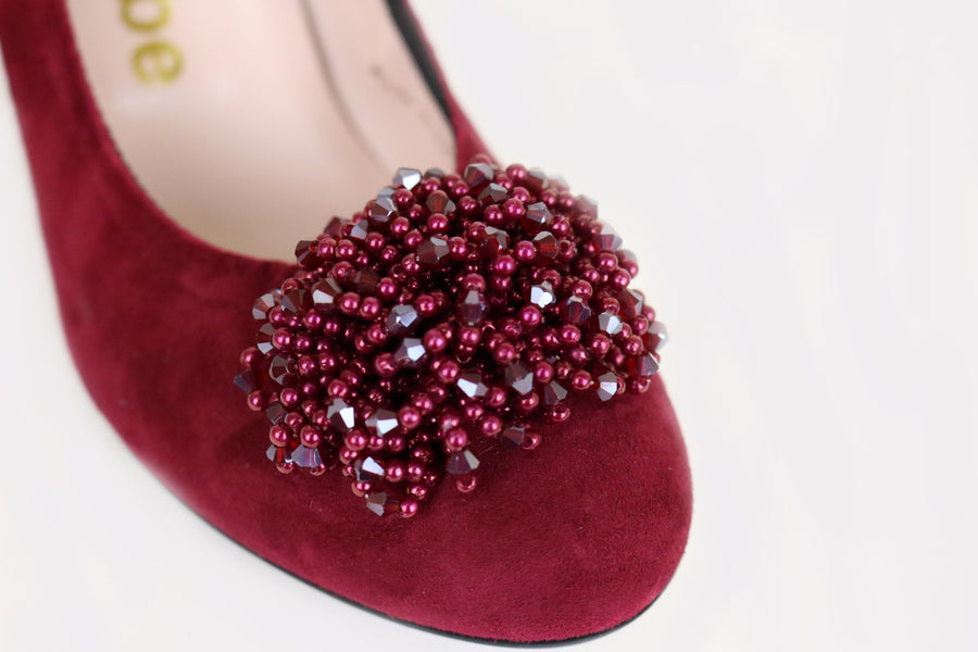 Le Babe 3002 is a Low Heel Court Shoe, Colour is Burgundy with a Tassle at the front of the foot, Ireland Shoe Shops online, Shoe Style International, Location Wexford Gorey and Ireland