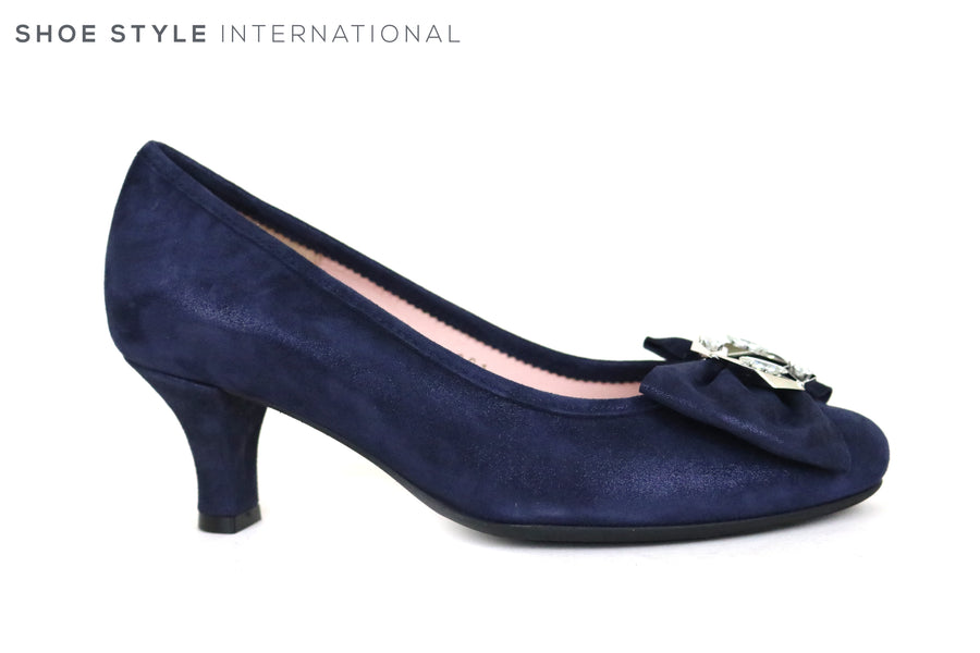 Le Babe 3001, Low Heel Court Shoe with Bowe and diamante embellishment, Perfect shoe for Occasion wear. Colour Navy Ireland Shoe Shops online, Shoe Style International, Location Wexford Gorey and Irelan
