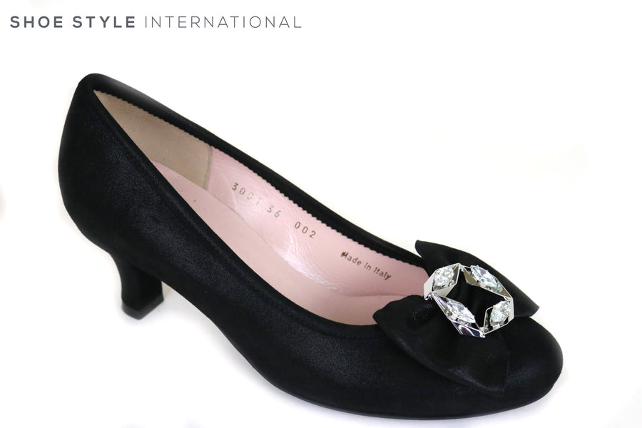 Le Babe 3001, Low Heel Court Shoe with Bowe and diamante embellishment, Perfect shoe for Occasion wear. Colour Black,Ireland Shoe Shops online, Shoe Style International, Location Wexford Gorey and Ireland