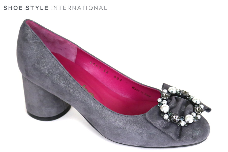 Le Babe 3557, Round Block Low Heel in Grey suede, at the top of the shoe their is diamate embellishments in Silver and Pewter, Ireland Shoe Shops online, Shoe Style International, Location Wexford Gorey and Ireland