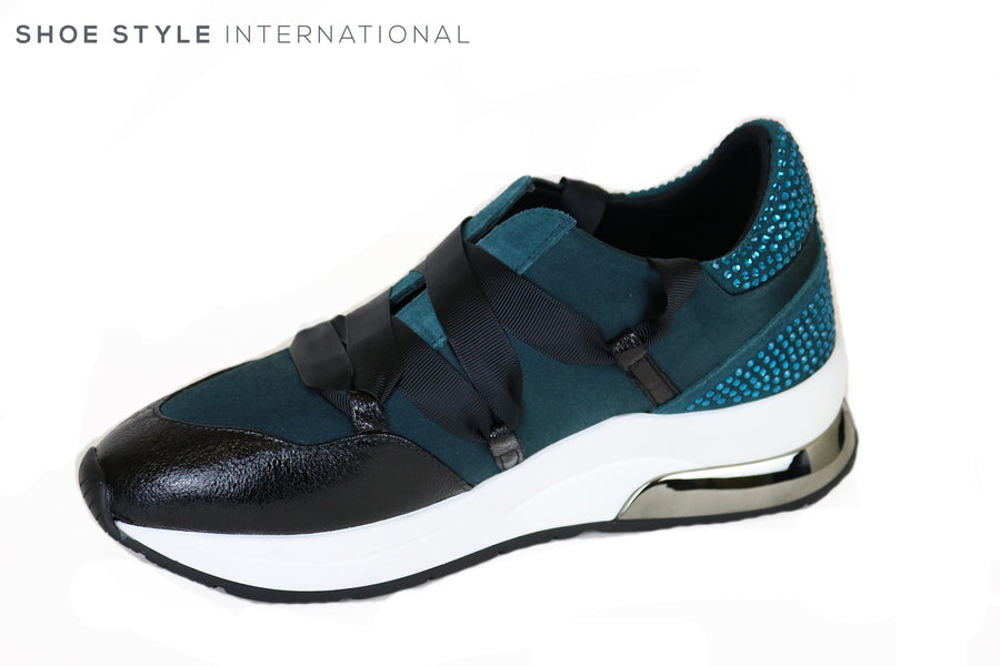 Liu Jo Karlie 03 Teal Sneaker with Black laces, Teal embellishments at the back, Ireland Shoe Shops online, Shoe Style International, Location Wexford Gorey and Ireland