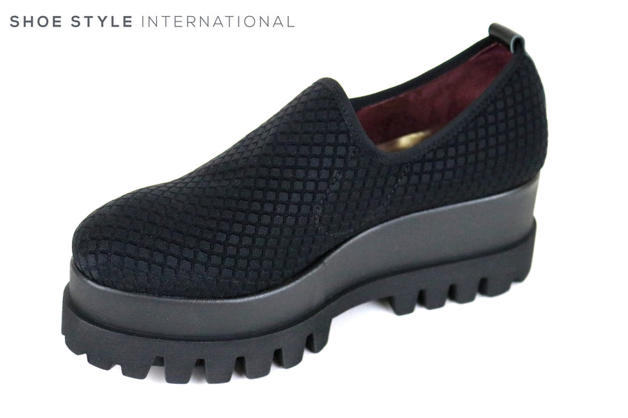 Marco More 072, Platform wedge with a textured material upper. Colour Black, Shoe Style International, Wexford, Gorey, Ireland, Online Shoe Shopping