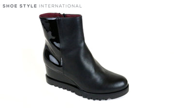 Marco Moreo 082, Wedge Ankle Boot Colour Black, to close the Shoe there is a zip at the side, Shoe Style International, Wexford, Gorey, Ireland, Online Shoe Shopping Ireland
