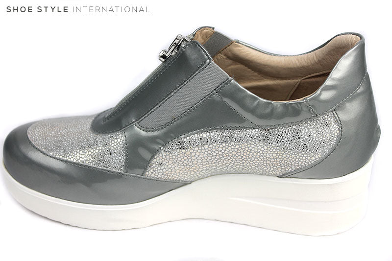 Marco Moreo 500, Sport Wedge with a front zip closing. Colour is grey and Grey mettalic at the front and the sides of the wedge. Shoe style International, Wexford, Gorey, Ireland