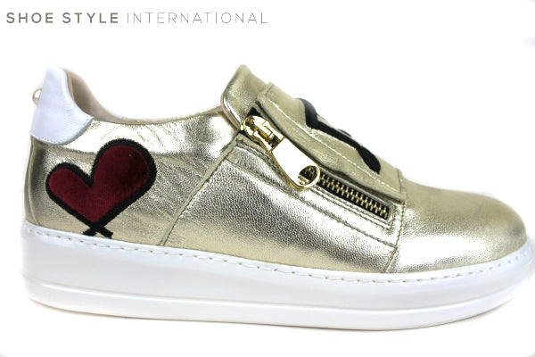 Oxitaly Tepe 120, Trainer with details on the front and pearl on the back, zip fastener colour Gold Shoe Style International