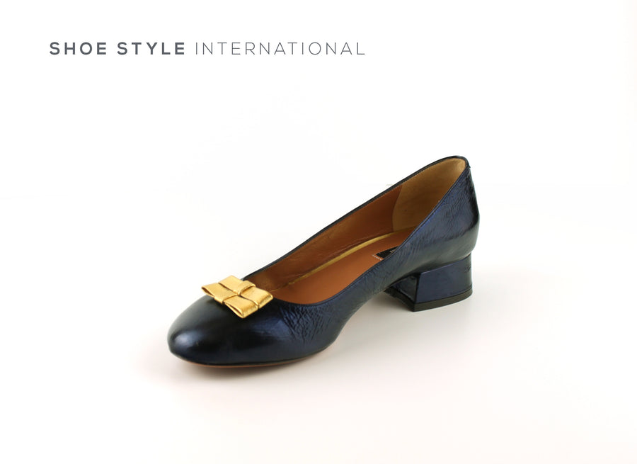 Oxitaly Shoes, Navy Court Shoes with a low heel and Gold Bow Details Shoe_Style_International-Wexford-Gorey-Ireland