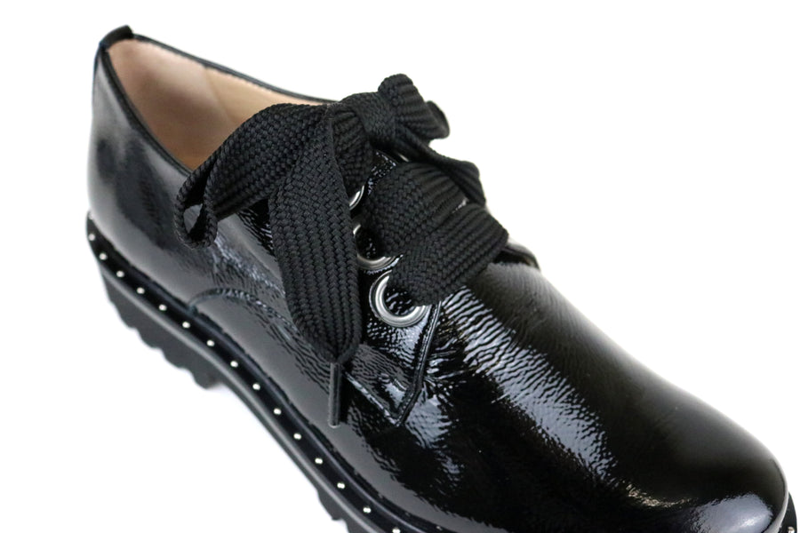 Perlato 10843, Brogue Shoe with large laces, Colour Black in Patent Leather, silver studding detail around the sole of the shoe and with a round toe finish, Shoe Style International, Wexford, Gorey, Ireland.  https://shoestyleinternational.com/