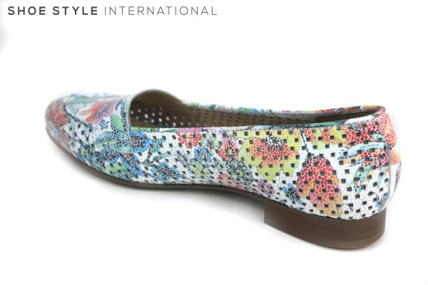 Pinto Di Blue 10680 low heel loafers for everday Casual she. Colour is Mutli Colour with a pattern. Shoe Style International