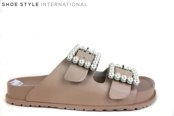 Steve Madden Nora, A slider with two pearl buckles at the front, colour Pink, Shoe Style International