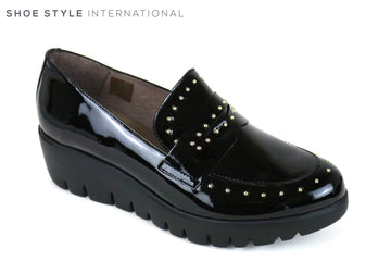 Wonders 33134, Wondersfly is a light weight slip-on shoe, Colour is Black with encrusted silver studs at the front of the shoe,  Ireland Shoe Shops online, Shoe Style International, Location Wexford Gorey and Ireland