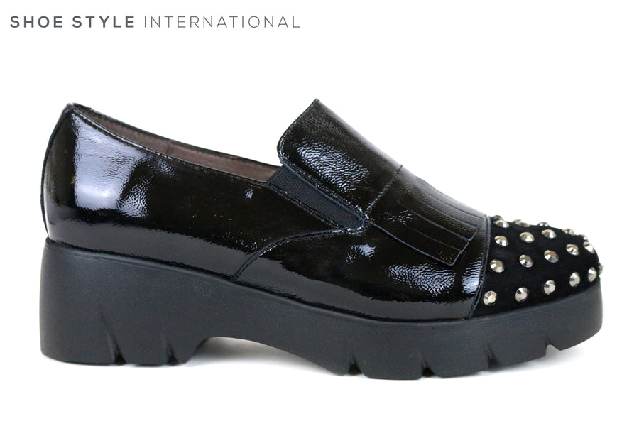Wonders 4742, Slip-on Wonders Fly Shoe with encrusted silver studs at the front of the shoe. Colour is Black,  Ireland Shoe Shops online, Shoe Style International, Location Wexford Gorey and Ireland